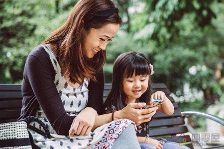 女人靠什么赚钱?用手机赚钱是最简单的方法