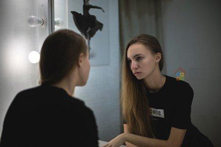 为什么晚上不能照镜子「原因揭秘」第1张